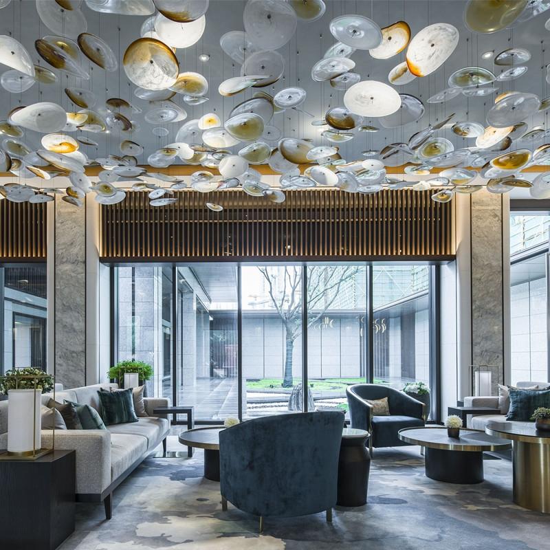 酒店大堂吊灯怎么样安装才能让客户耳目一新!