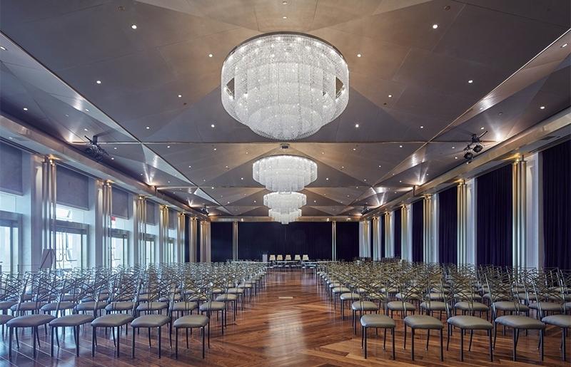酒店在选择水晶工程灯的时候需要注意哪些方面?